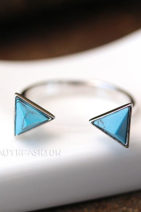 Turquoise Pyramid Ring Triangle Geometric Birthstone Silver Tone Gift Idea