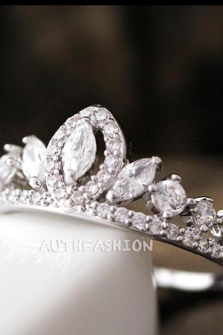 Crystal Crown Ring Tiara Ring Princess ring Stacking Bridesmaid Gift Idea bycr18